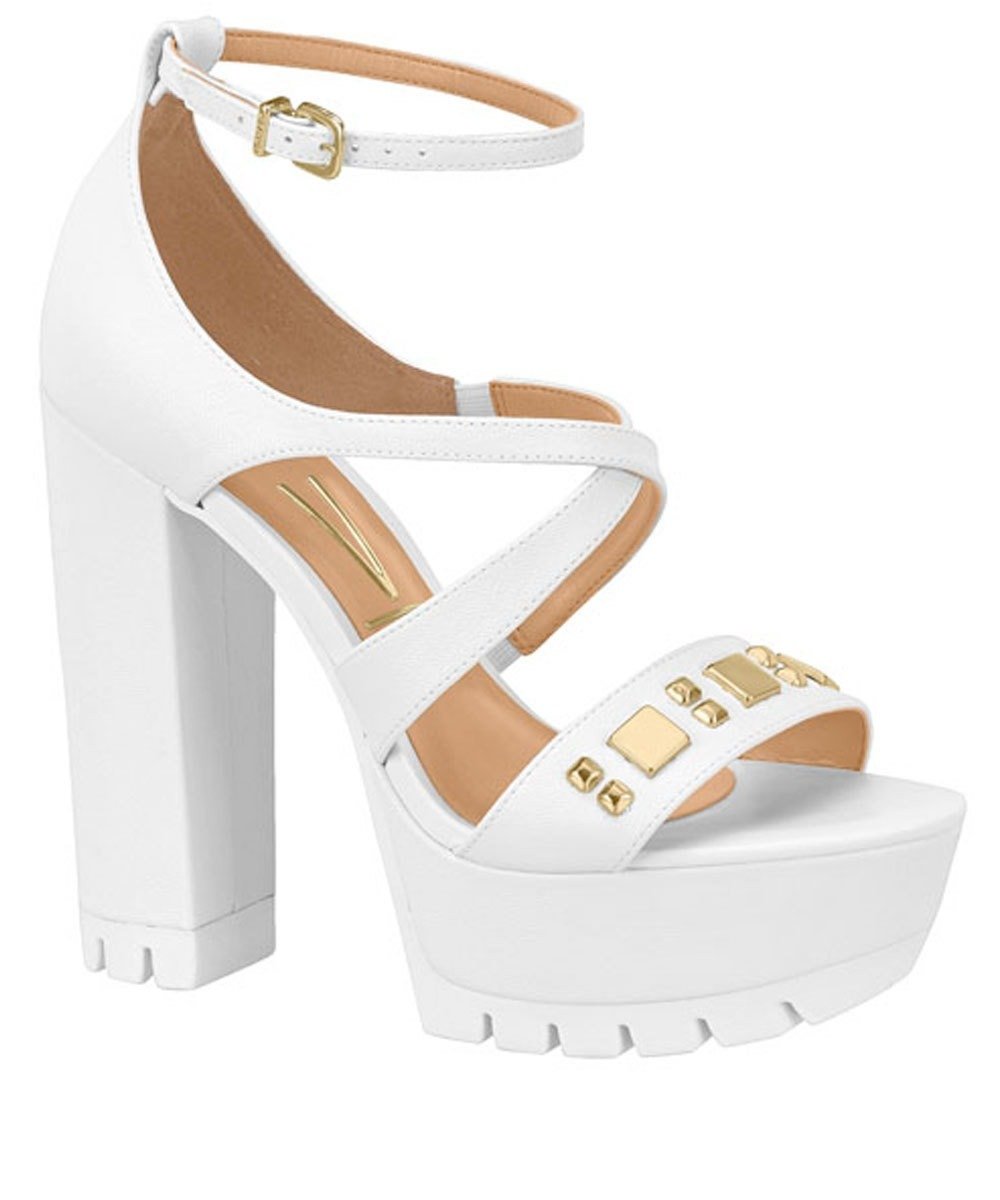 eea9f740a7 sandália feminina meia pata tratorada tachas vizzano branco. Carregando  zoom.