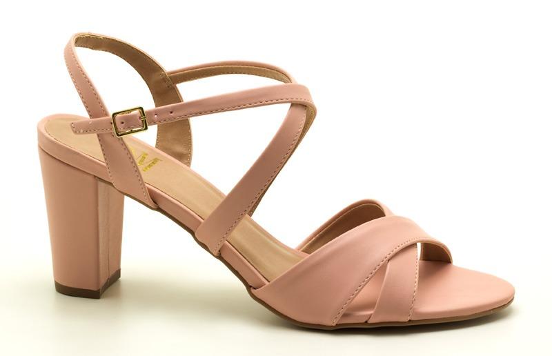 18f8abddf sandália feminina numeração especial tamanhos grandes 41. Carregando zoom.