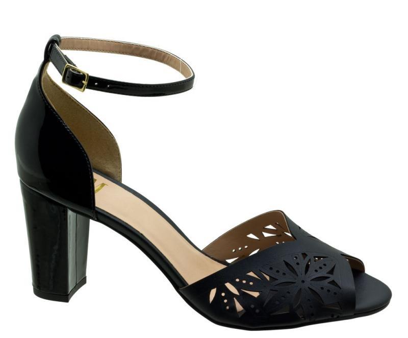61b381192 sandália feminina numeração grande dm extra preta dme1810. Carregando zoom.