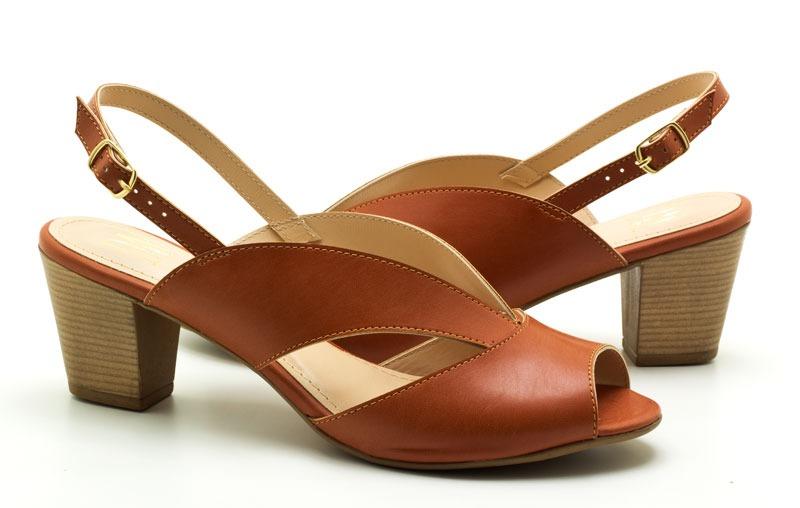 f156bcc62 sandália feminina numeração grande tamanho especial dm ex. Carregando zoom.