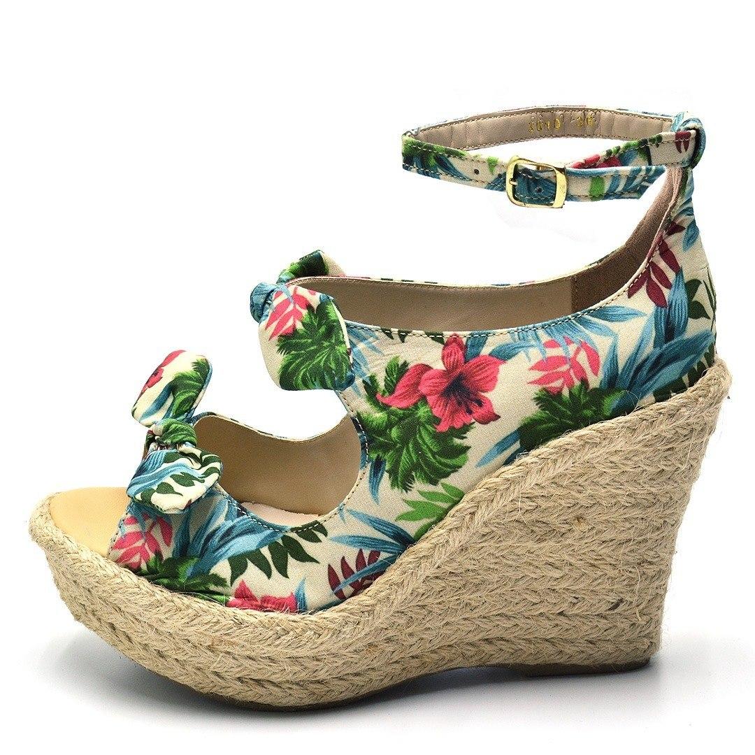 0b92b7600 sandália feminina salto anabela floral com solado de sisal. Carregando zoom.