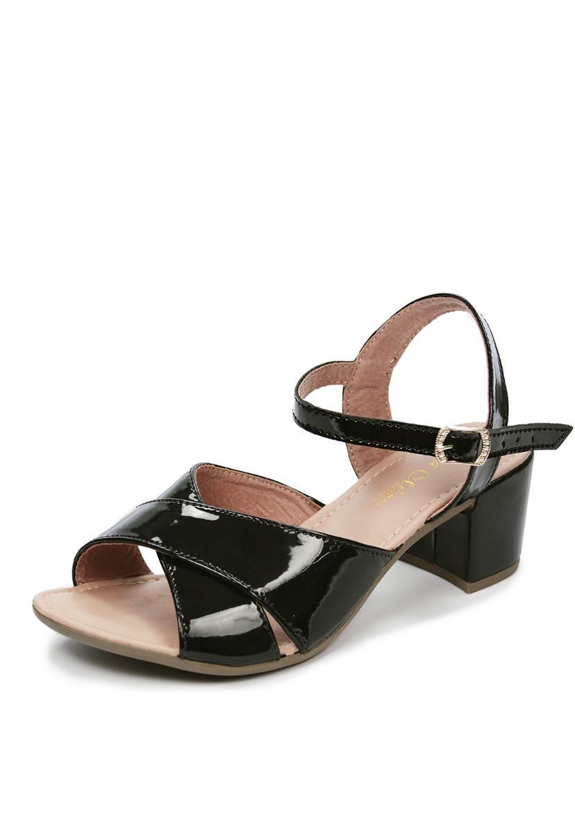 0cf6679dc24c7 sandália feminina salto grosso verniz preto tira traspassada. Carregando  zoom.