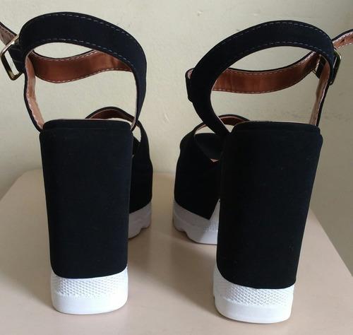 sandália feminina salto tratorado preto e branco tam. 35