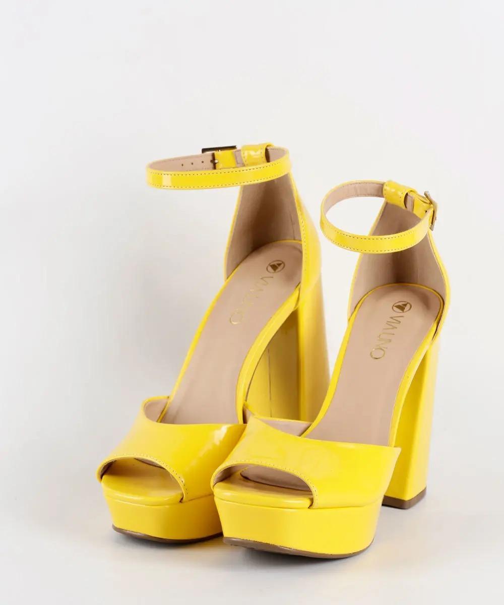 80056dcb58 sandália feminina verniz meia pata via uno - original. Carregando zoom.