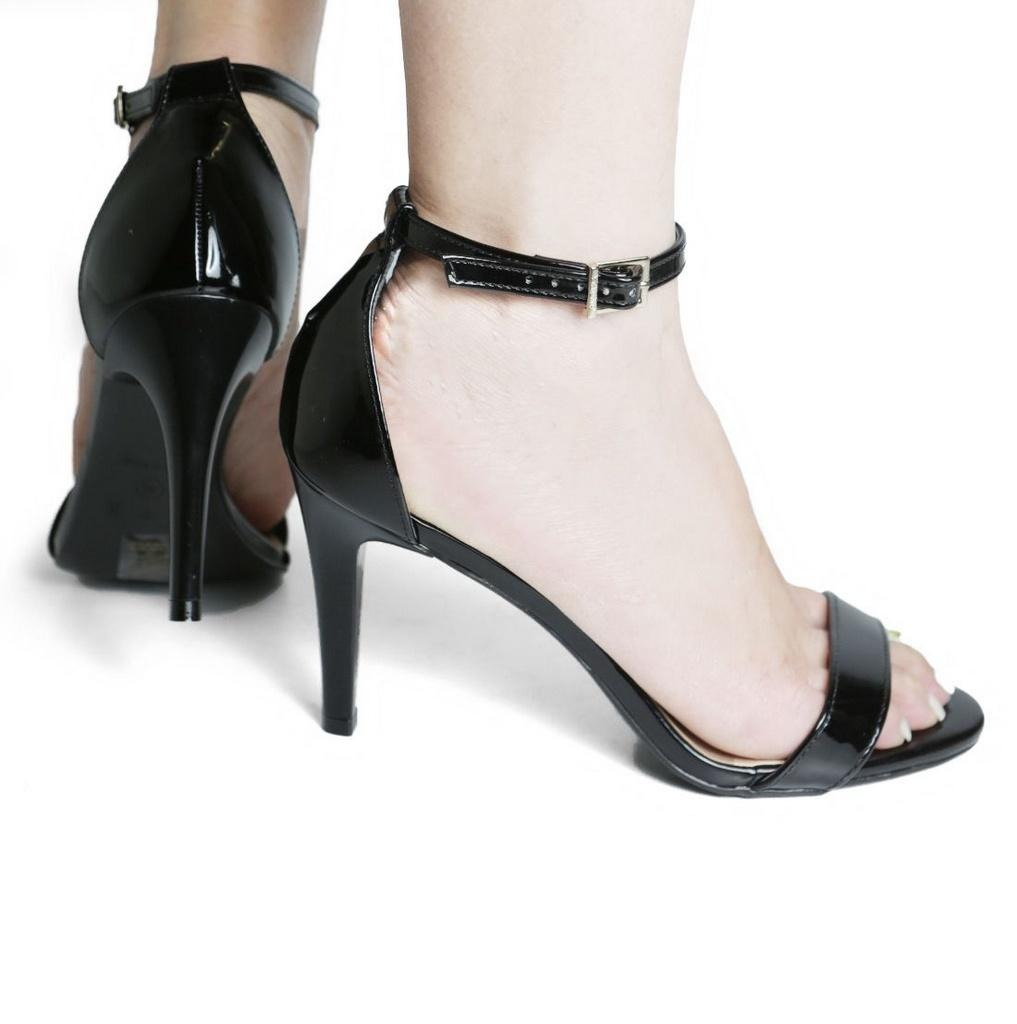 ce9bd3733 sandália feminina verniz salto alto via uno 132016. Carregando zoom.