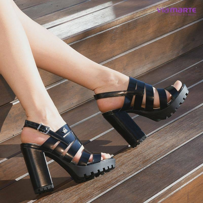 9d3682bb35 sandália feminina via marte salto grosso tratorada 18-16701. Carregando  zoom.