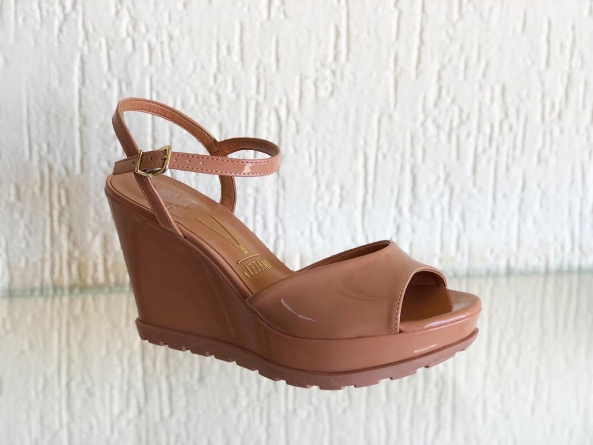 e70814833 sandália feminina vizzano 6353.106 nude verniz anabela 2019. Carregando zoom .