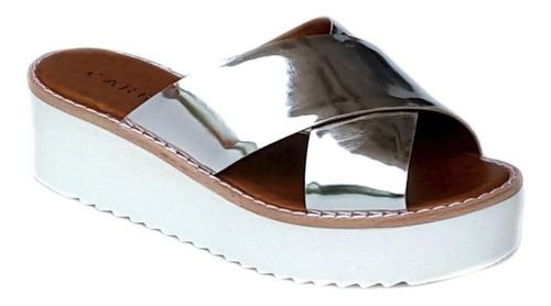 sandália flatform com tiras cruzadas metalizado carrano 1368
