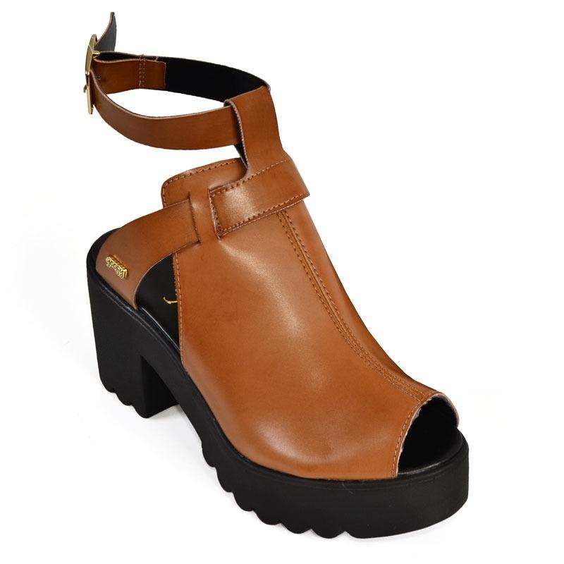 4620545e51 sandália goofy shout marrom. Carregando zoom.