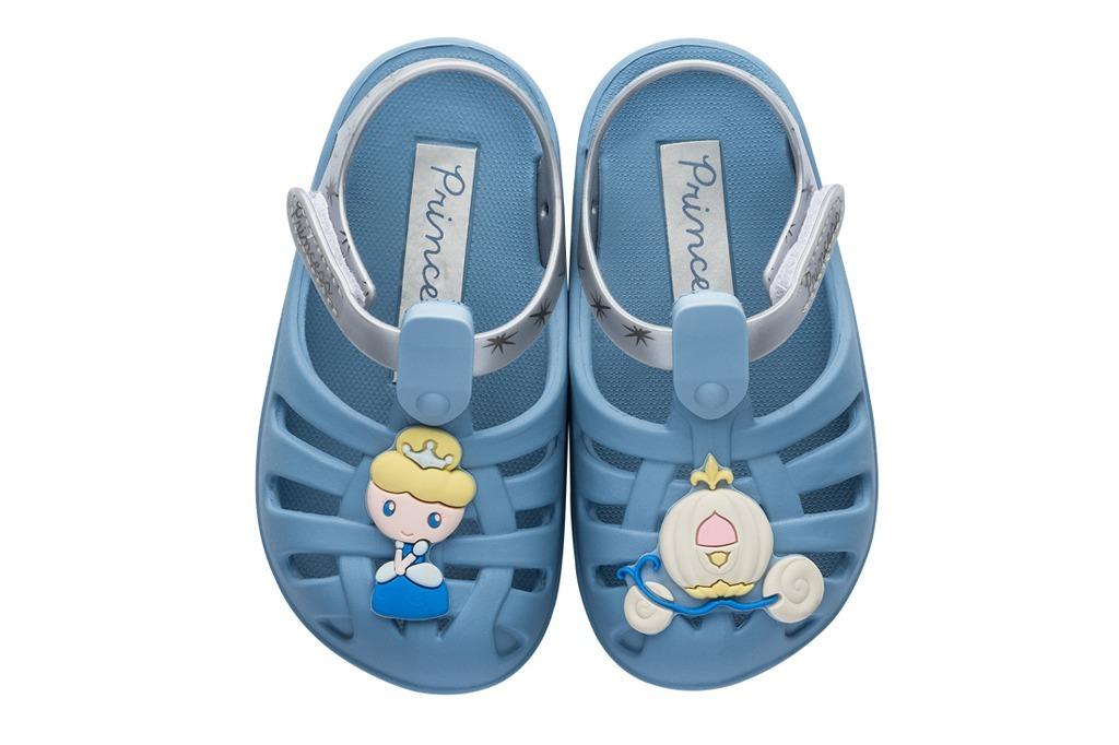 faeb98144a sandália infantil disney baby cinderela. Carregando zoom.