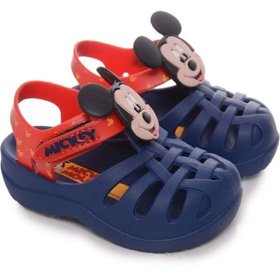 c30af78de Sandalia Infantil Masculina Mickey Grendene Kids - R  39