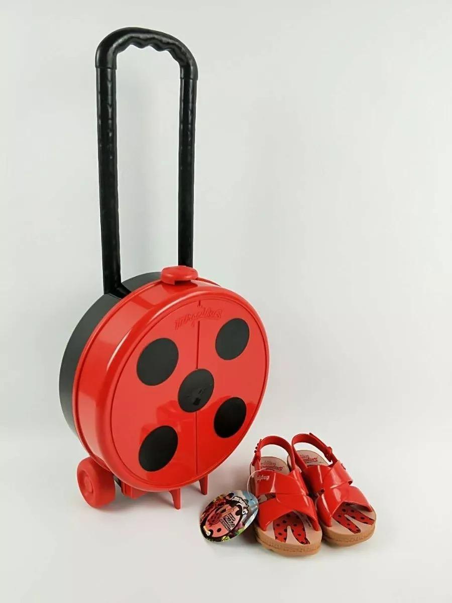 a4ee9447d3 sandalia ladybug trip bag + brinde maleta. Carregando zoom.