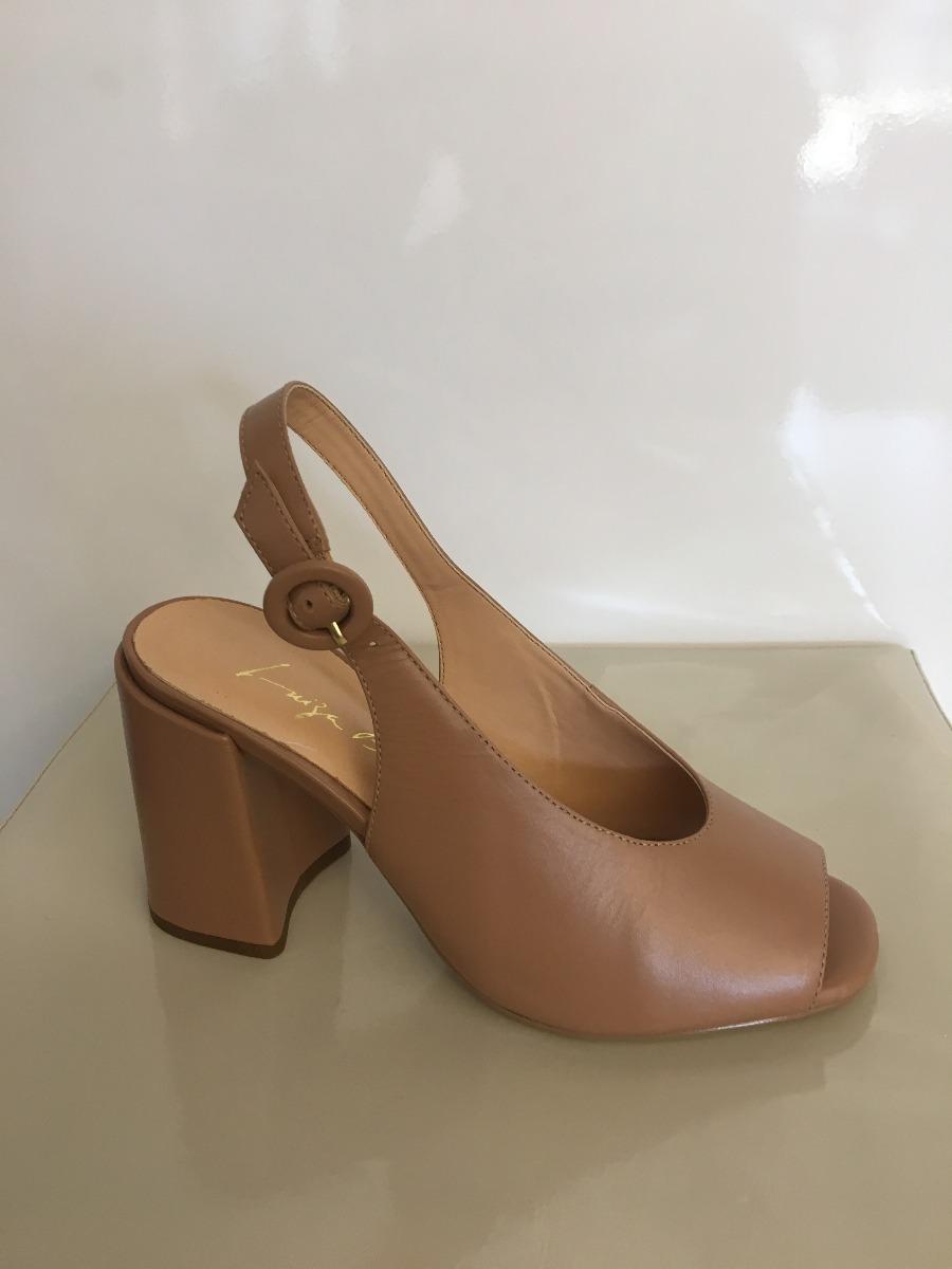 f6c8099d9 sandália luiza barcelos salto quadrado em couro. Carregando zoom.