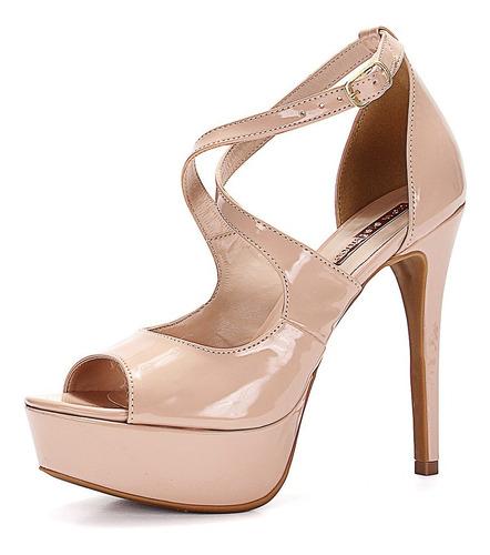 sandália meia pata e salto alto verniz nude