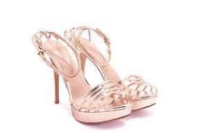 d555b24b8 Sandalia Dourado - Sandálias e Chinelos Sandálias para Feminino Schutz com  o Melhores Preços no Mercado Livre Brasil