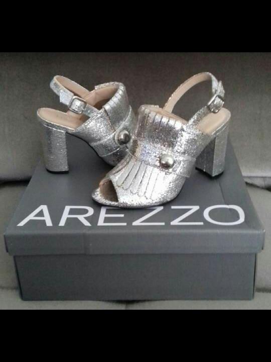 e378e30c8 Sandalia Metalizada Arezzo - R$ 169,00 em Mercado Livre