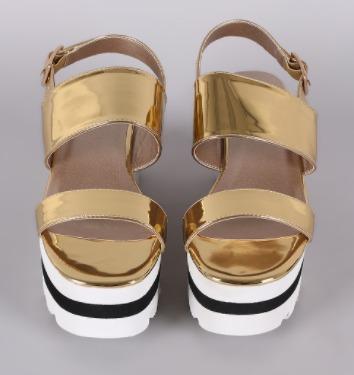 sandalia mujer qupid plataforma plateado, dorado y blanco