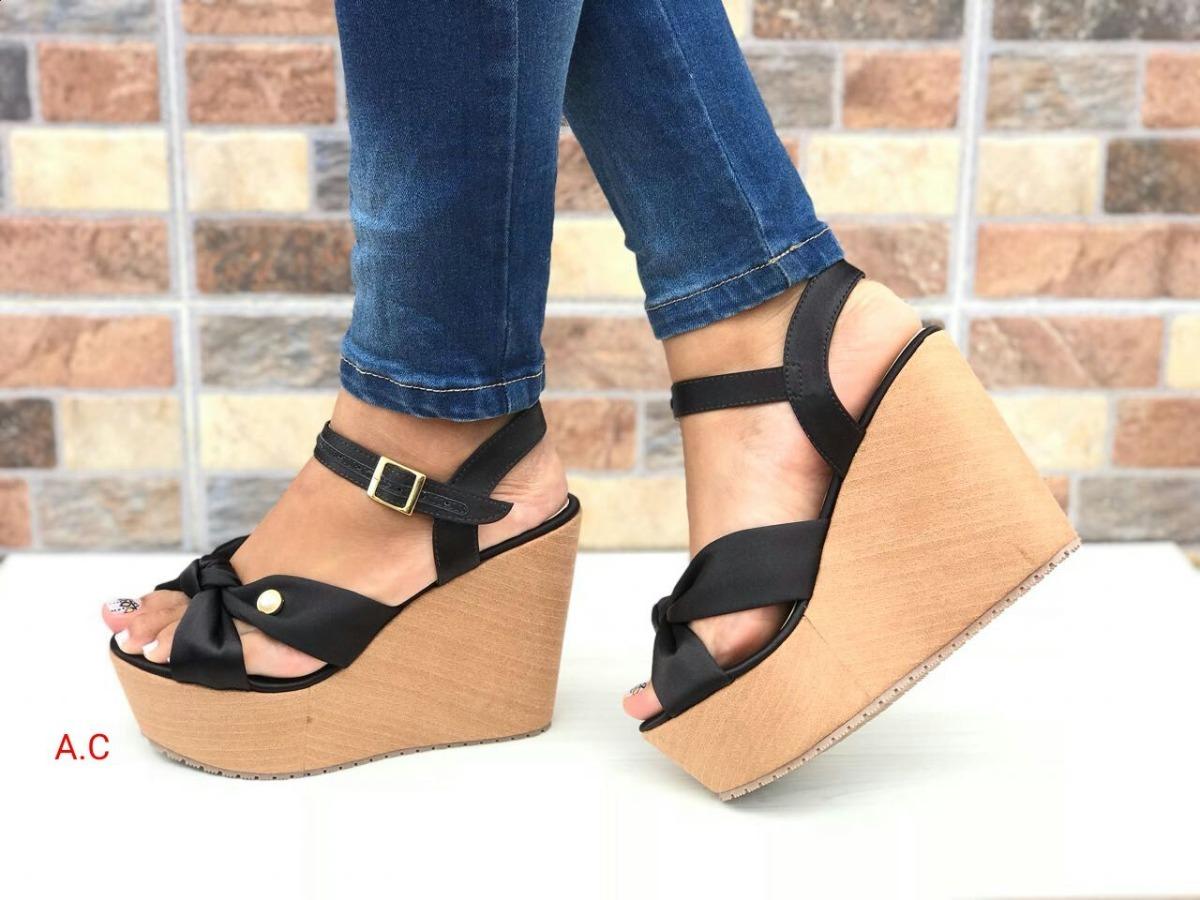 88b4e79114a sandalia negra en plataforma alta de moda en colombia mujer. Cargando zoom.