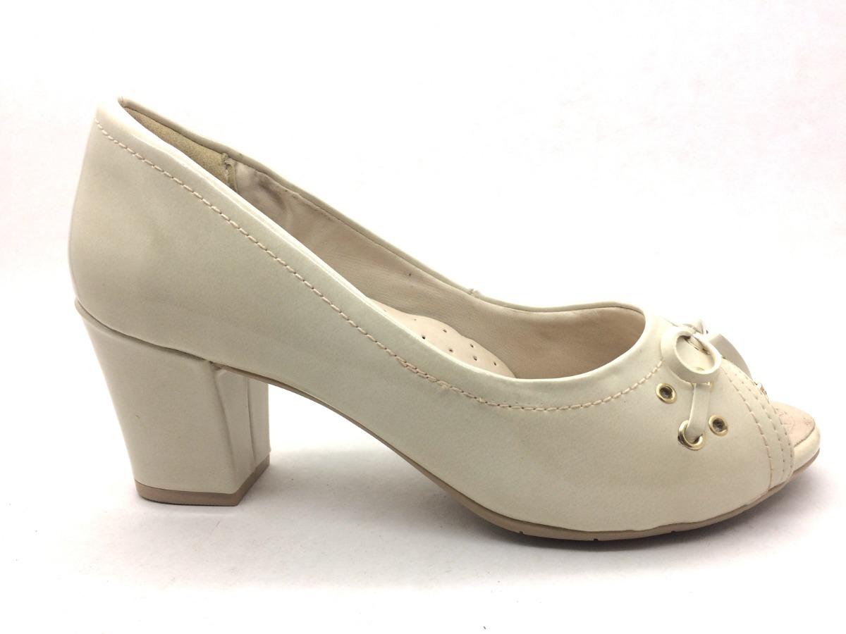 b800129eab sandália peep toe comfortflex off white salto grosso médio. Carregando zoom.