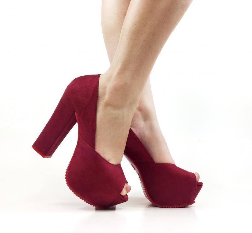 924156ab98 sandália peep toe marsala vinho salto grosso sola vermelha. Carregando zoom.