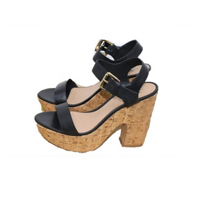 26c8d0ccd9 Sandalia Plataforma Arezzo Feminino - Sapatos no Mercado Livre Brasil