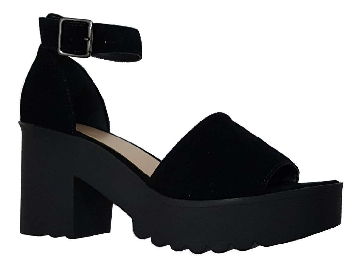 40d17d8ef sandália plataforma tratorada preta ou nude, salto médio. Carregando zoom.