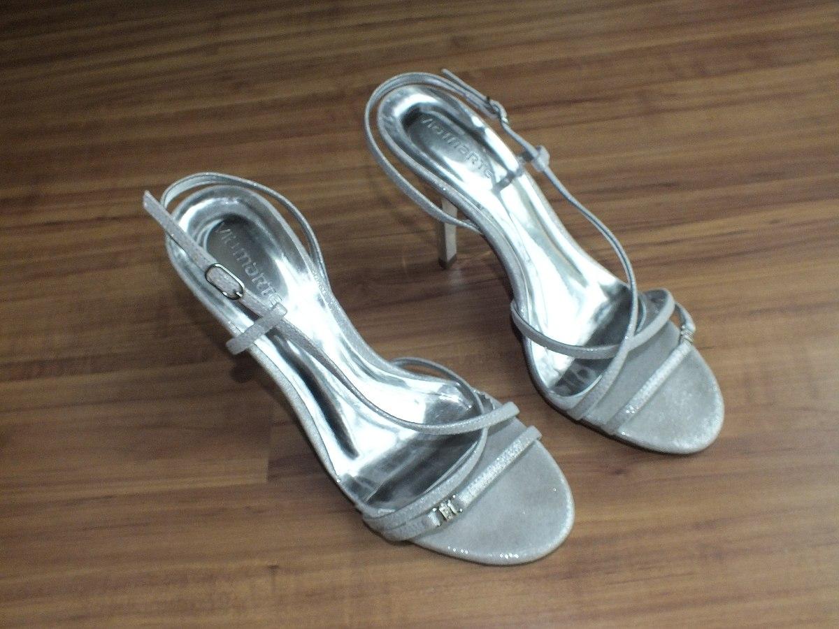 72da6797a sandália prata via marte festa tam. grande semi nova nº 39. Carregando zoom.