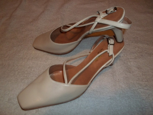 sandalia punta cerrada