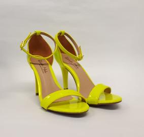 b1ec9d9bad Sandalia Amarela Salto Fino - Sandálias para Feminino no Mercado ...