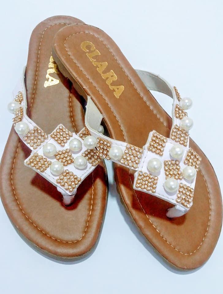 42c46b36ec sandalia rasteira feminina perola rasteirinha sapatilha. Carregando zoom.