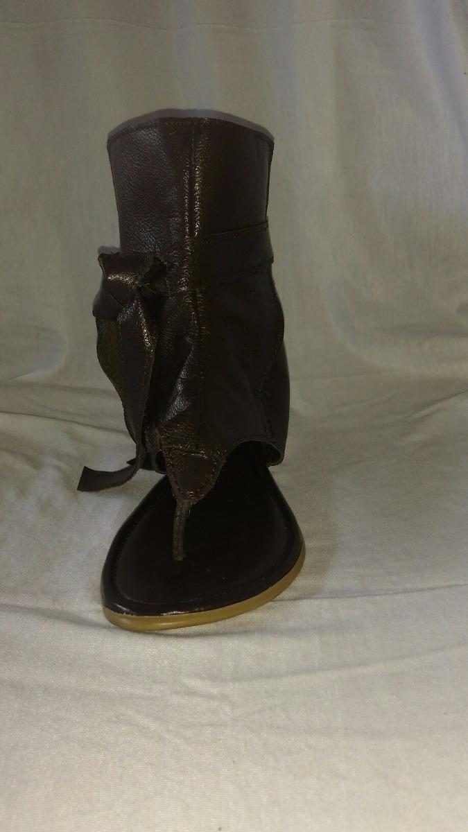 7f3b6db7a4 sandália rasteira tipo botinha 100% em couro. Carregando zoom.