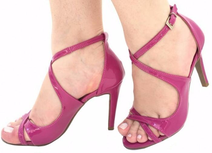 fb6cb2b68c Sandalia Rosa Pink Tiras Finas Salto Alto Fino Verniz 2266 - R  149 ...