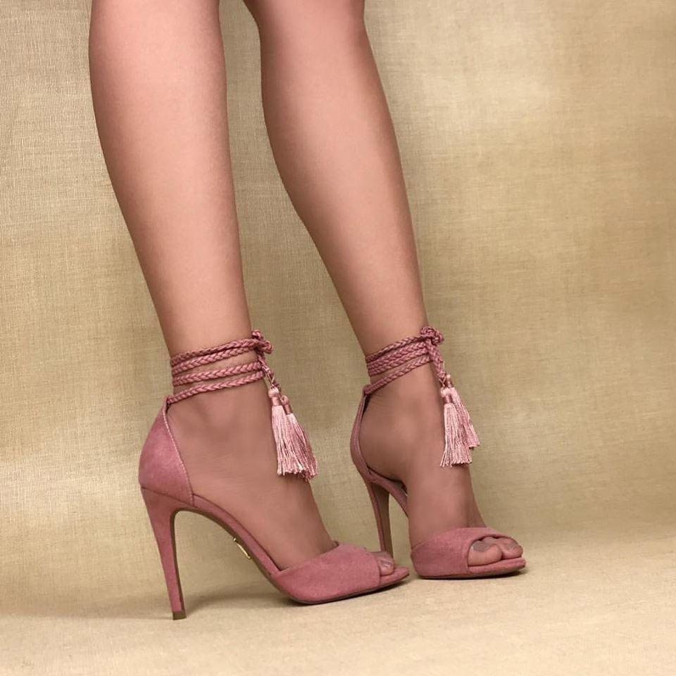 f09091425 Sandália Salto Alto Camurça Rose Uza Shoes - R  229