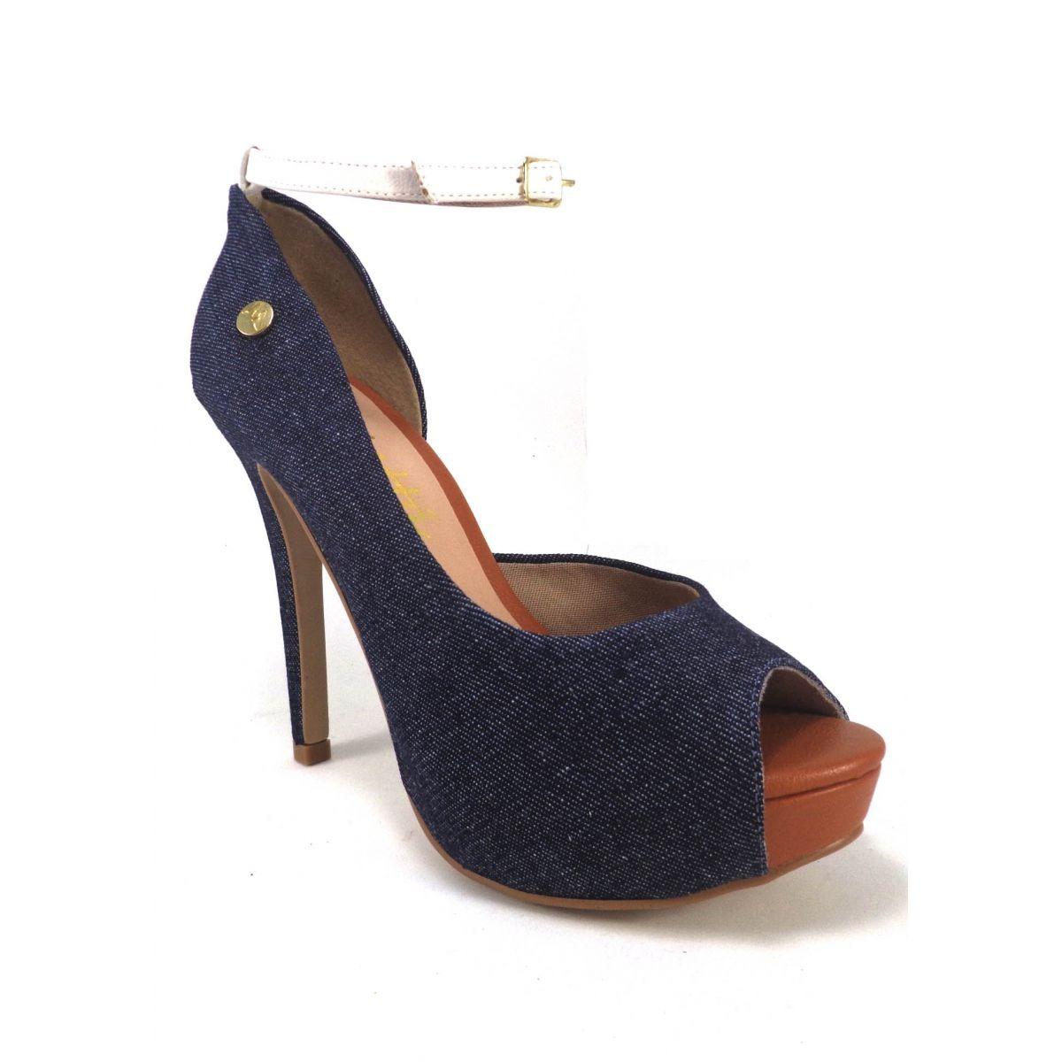 d0a36b9983 Sandália Salto Alto Fino Jeans Peep Toe Boneca - R$ 89,90 em Mercado ...