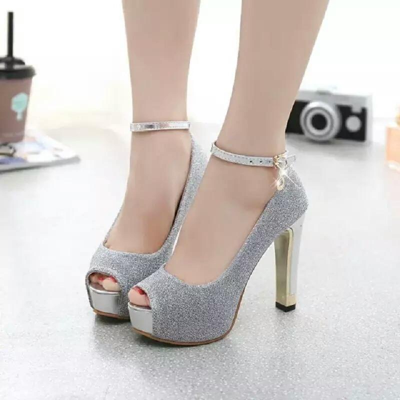 b0b57da36 Sandália Salto Alto Luxo Com Strass Importada Ref076 - R$ 199,90 em ...