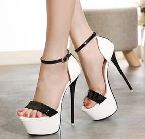 4476be1c5 Sandalia Salto Alto Importada Luxo - Sapatos para Feminino no Mercado Livre  Brasil