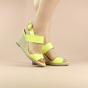 23469d52b1 Sapato Boneca Anabela Amarelo - Sapatos no Mercado Livre Brasil