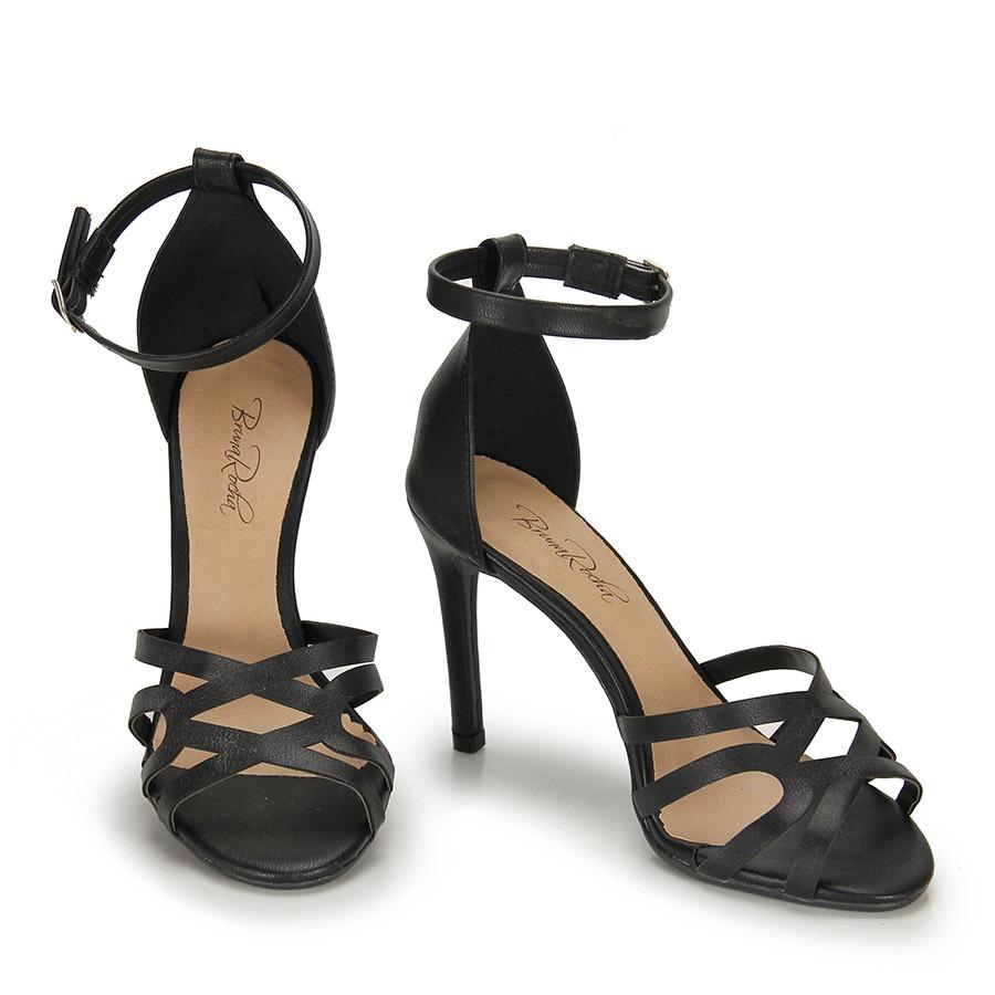 9735e361bd sandália salto fino bruna rocha fivela - preto. Carregando zoom.