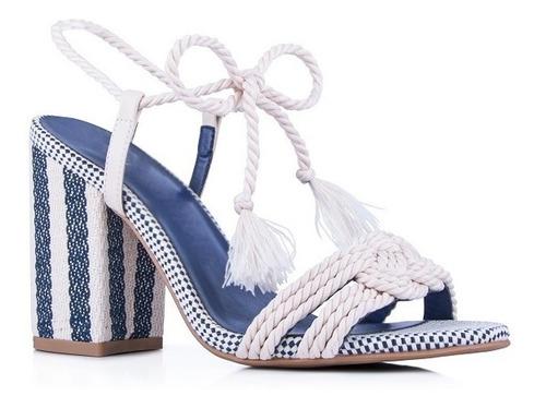 sandália salto grosso azul com amarração linda e confortável