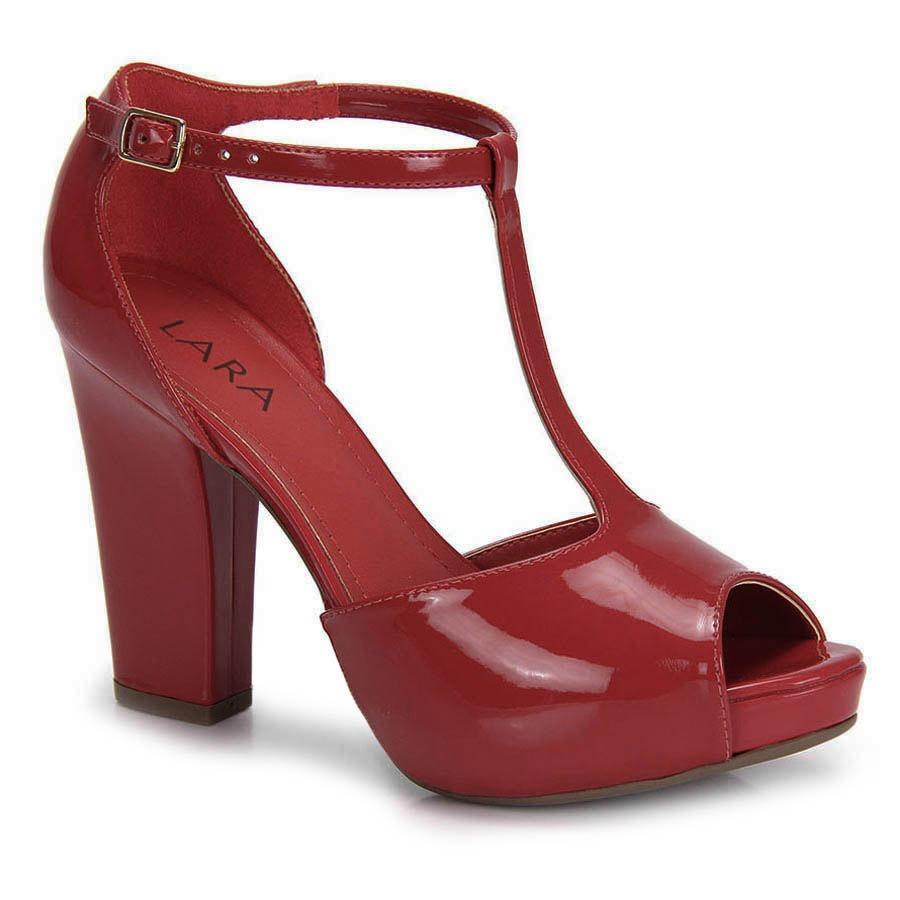 8aa903b87f sandália salto grosso lara fivela - vermelho. Carregando zoom.