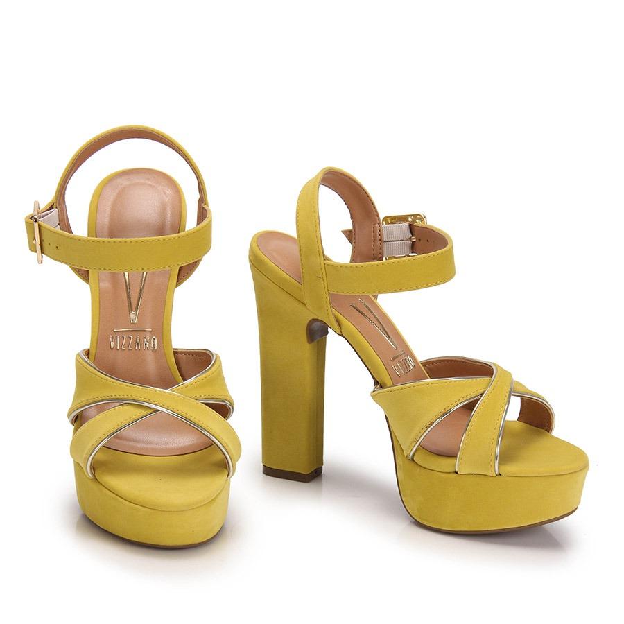 b830db5c48 sandália salto grosso vizzano - amarelo. Carregando zoom.