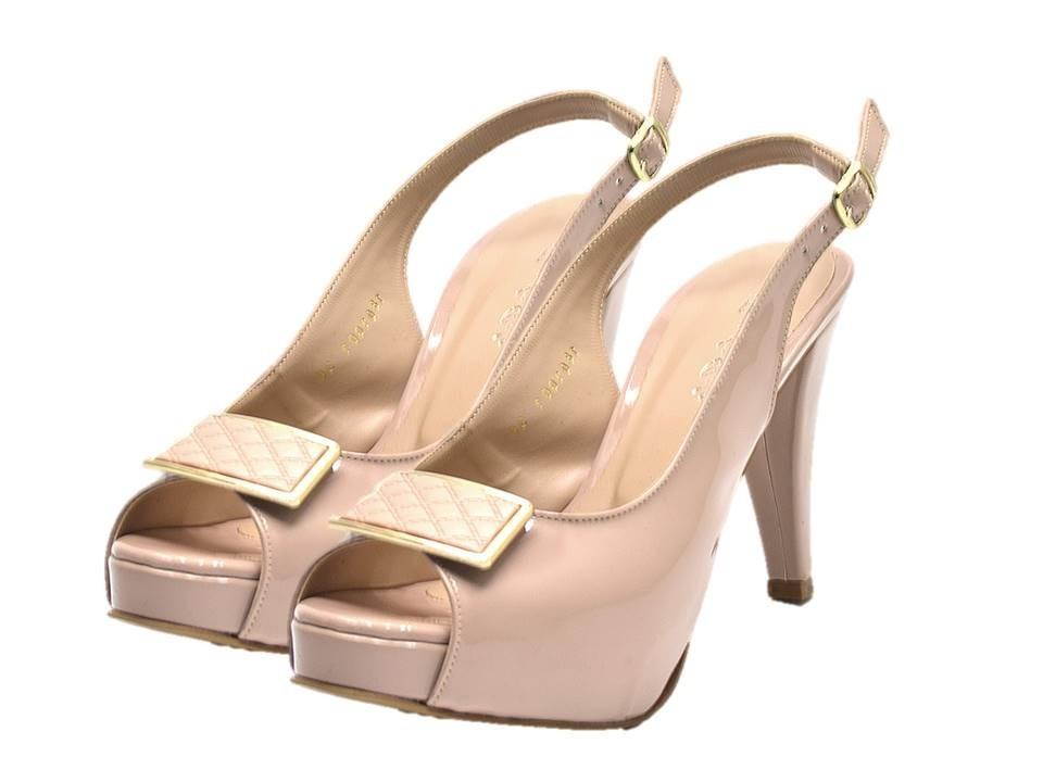 f9e90dbdb8 sandália social feminina salto alto fino em verniz cor nude. Carregando  zoom.