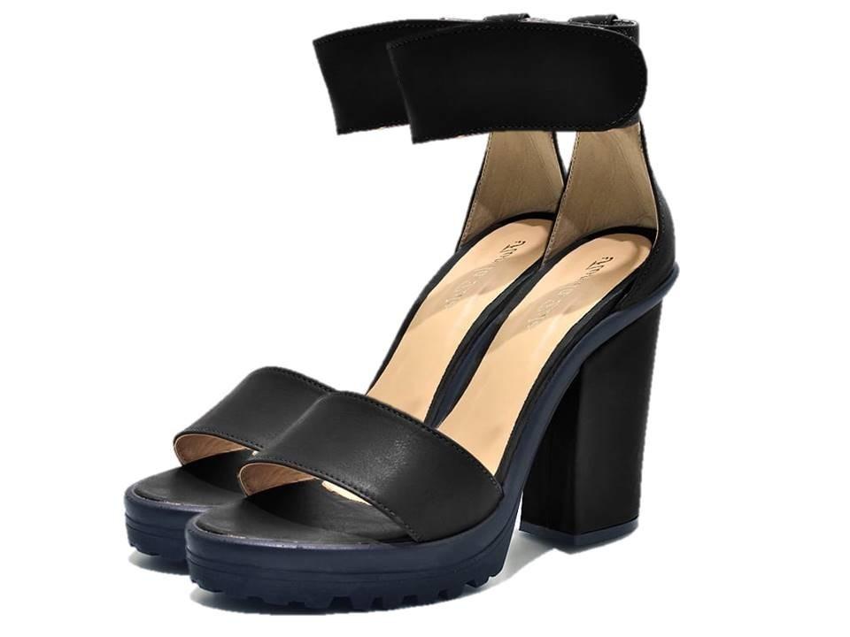 b7930c845 sandália social feminina salto plataforma alto napa preta. Carregando zoom.
