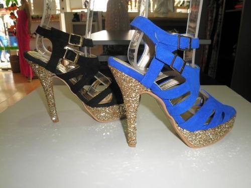 sandalia taco luis xv de gamuza con glitter color oro