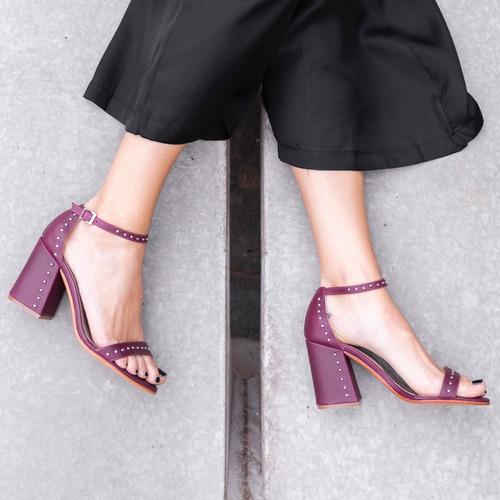 sandalia verano alta taco tachas