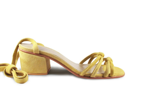 sandalia verano taco bajo cuero cabritilla gamuzada amarilla