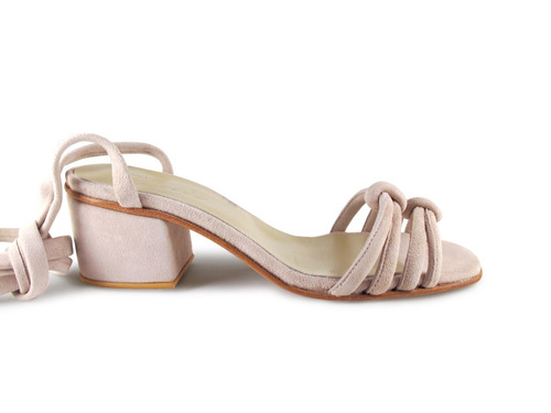 sandalia verano taco bajo nude cabritilla gamuzada