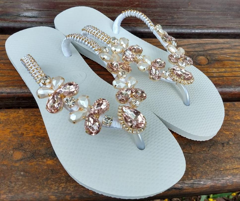 f032447343 sandálias chinelo havaianas decoradas noiva de luxo original. Carregando  zoom.