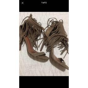 0a254a87f3 Schutz Sandalia Com Franjas Botas - Sapatos para Feminino no Mercado ...