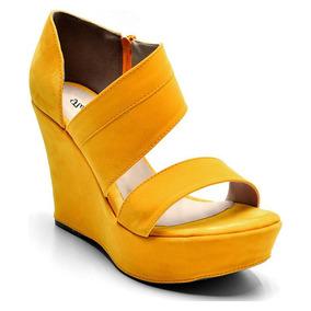 9b530ef476 Sandália Plataforma Amarelo Feminina Estilo Arezzo 3011